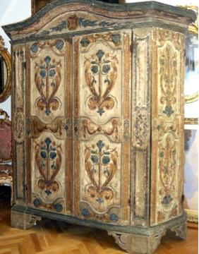 Abierto anticuarios restauraci n de muebles arcaz for Muebles de anticuario